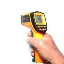 Infrarot-Thermometer IR GM700 mit Etui